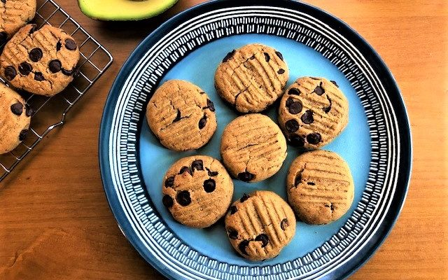 Vegan Peanut Butter Cookies With Chocolate Chips